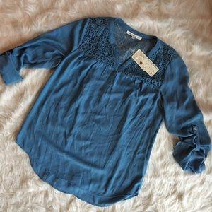 NWT Daniel Rainn blouse M lace roll sleeve